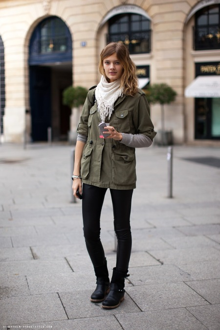 A street style post from http://hellomisschic.blogspot.com/2010/12/le-premier-decembre-2010-army-trend.html