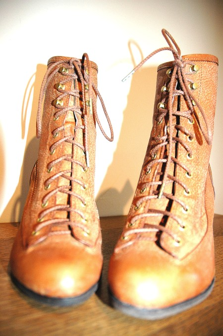 a line brown boots 8