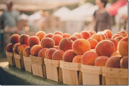 peaches-fruit-stand